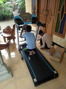 Treadmill elektrik Osaka